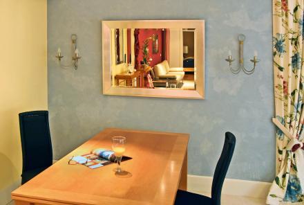 salon ze stołem